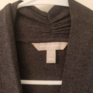 Long sleeved v neck top